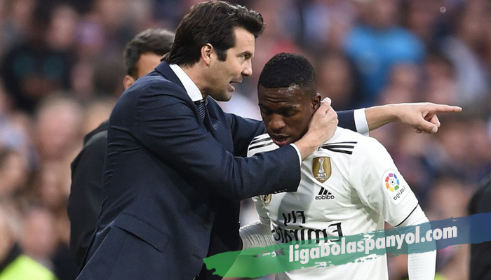 Perasaan Vinicius dilatih Santiago Solari dengan Zinedine Zidane