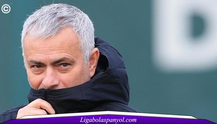 Teriakkan Fans Madrid, Mourinho